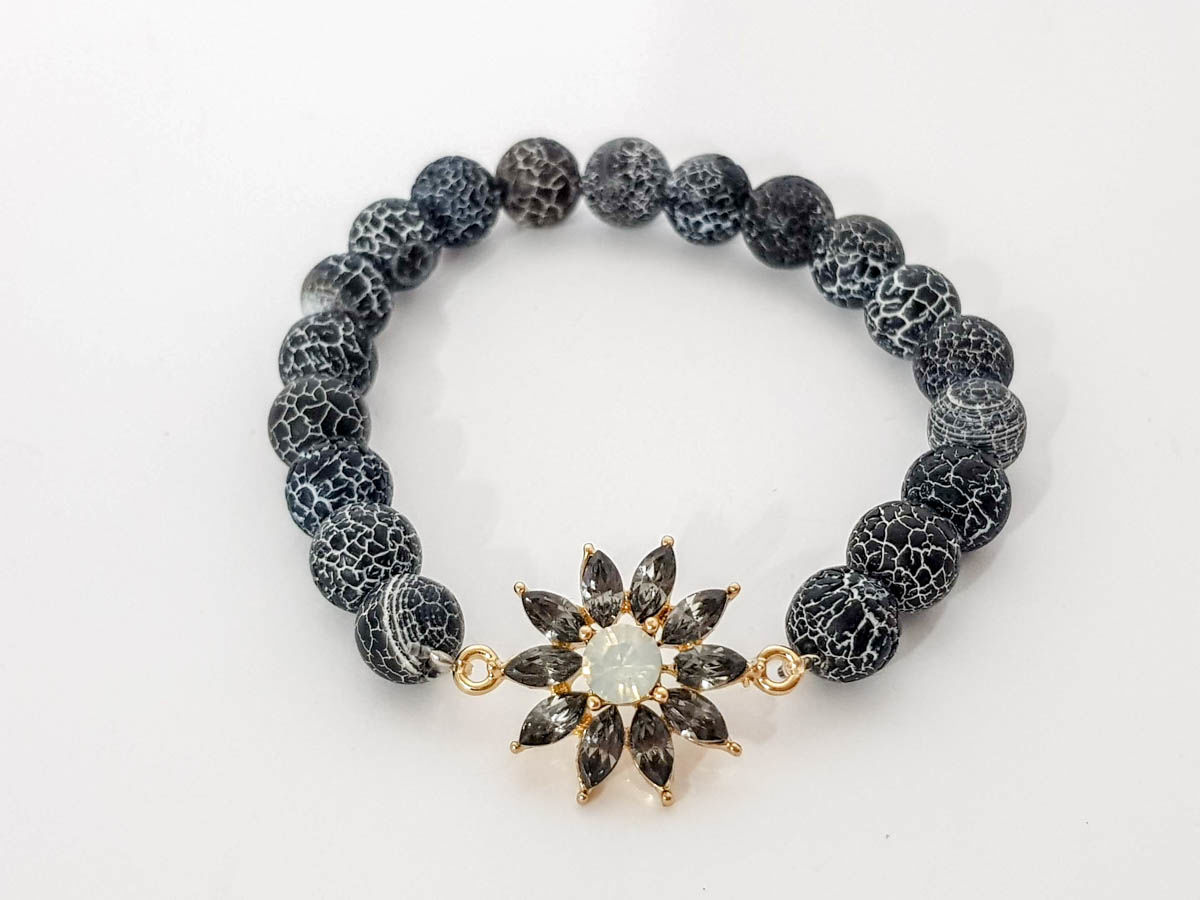 Grey agate stone and grey star bracelet for woman