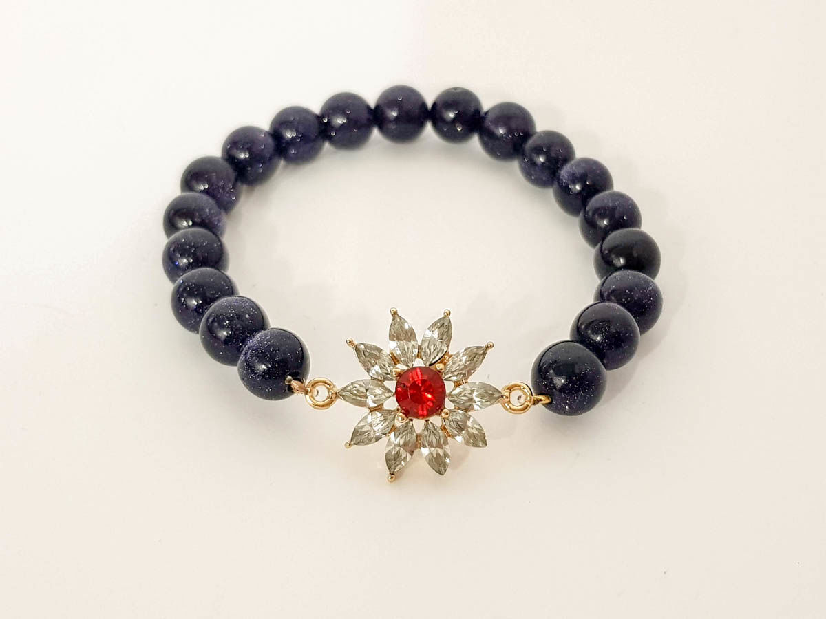 Bluish chrysolite stone and white star bracelet for woman