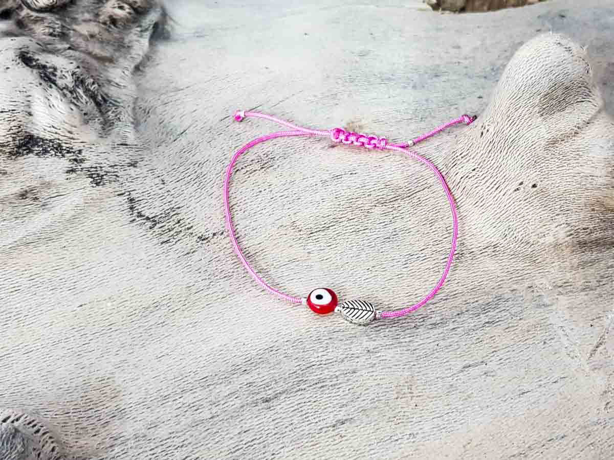 Red Evil Eye Leaf Pink String