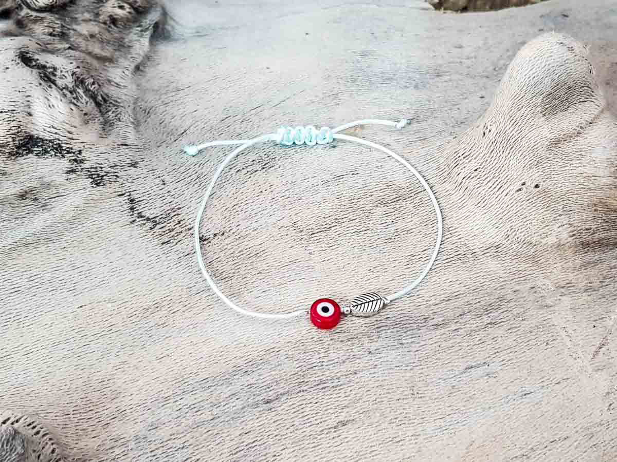Red Evil Eye Leaf Sky String
