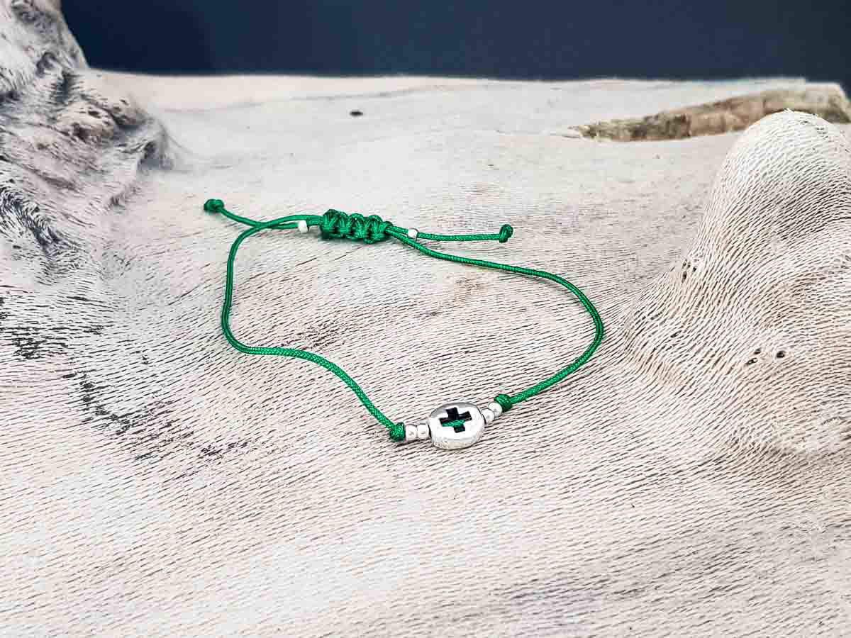 Bracelet small round metallic Cross with Green string